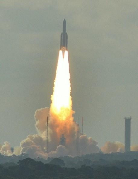 Start einer Ariane 5, Archivbild. Quelle: CC BY-SA-2.0, Spotting973, Wikimedia Commons.