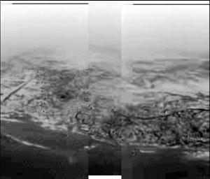 Küstenlandschaft auf dem Titan, aufgenommen während Huygens Landung aus etwa 8 Kilometer Höhe (Bild: NASA/JPL/ESA/University of Arizona)