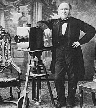 Fotoapparat aus dem Jahr 1850. Wird bei Hipstern vermutlich demnächst wieder aktuell.