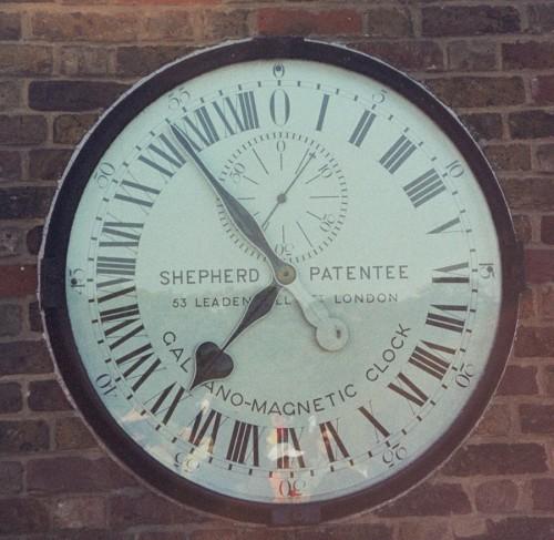 24-Stunden-Uhr an der Sternwarte in Greenwich (Bild: myself, CC-BY-SA 3.0)