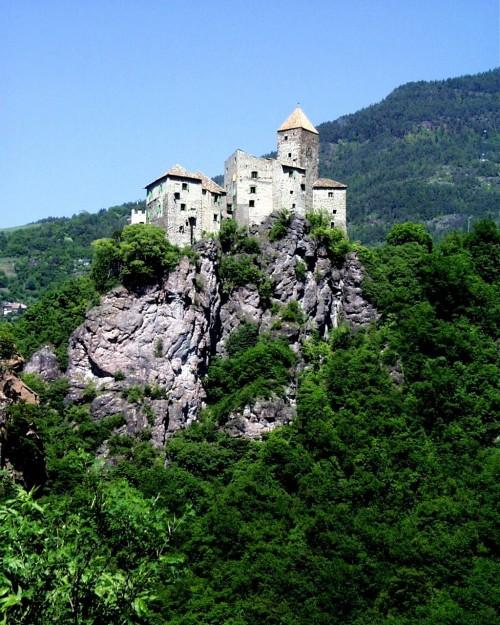 Schloss Karneid in Südtirol - da war ich schon ewig nicht mehr! (Bild: Stefan Kuhn, CC-BY-SA 3.0)