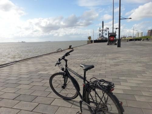 ... und am Abend an der Nordsee in Bremerhaven.