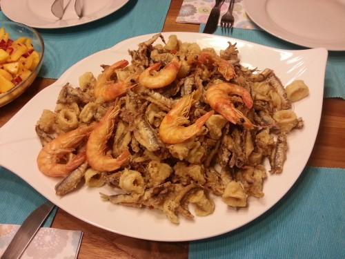 Fritto Misto schmeckt mir unter anderem auch deswegen so gut, weil ich damit so viele schöne Erinnerungen an Kindheitsurlaube in Italien verbinde.