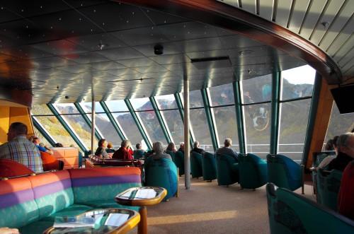 Vom Panoramasaal, vorne auf Deck 7 über der Brücke, hat man eine schöne Rundumsicht und findet meistens einen Platz.