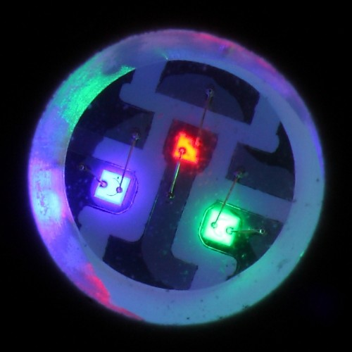 Farbige LEDs (Bild: Sven Killig, CC-BY-SA 3.0)