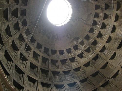 Römischer Beton in der Kuppel des Pantheon (Bild: Mr. Lehmeyer / Adalbert, CC-BY-SA 3.0)