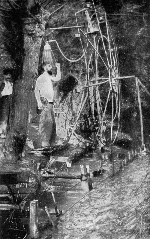 Ein Blogger bei der Arbeit (Bild: National Geographic, 1917, public domain)