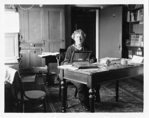 "Annie Jump Cannon in Harvard (Bild: Smithsonian Institution, SIA2008-0647) Archives"">"