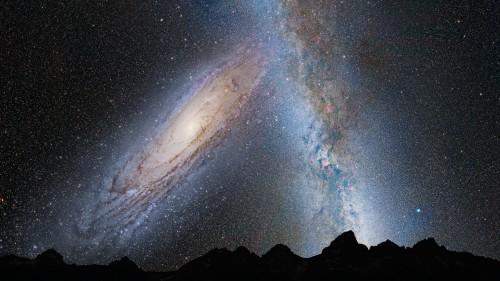 So könnte der Himmel aussehen, wenn Milchstraße und Andromeda-Galaxie verschmelzen (Bild: NASA)