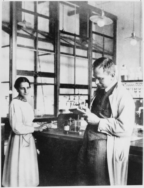 Lise Meitner und Otto Hahn, 1913 (Bild: gemeinfrei)