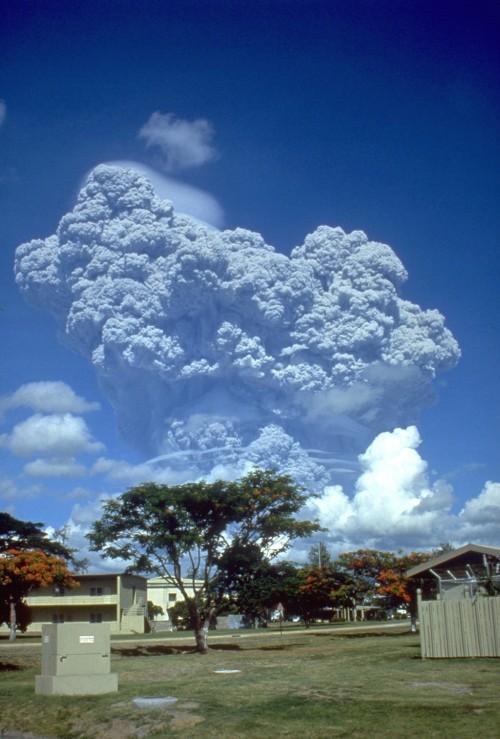 Ausbruch des Vulkans Pinatubo im Jahr 1991 (Bild: USGS, gemeinfrei)