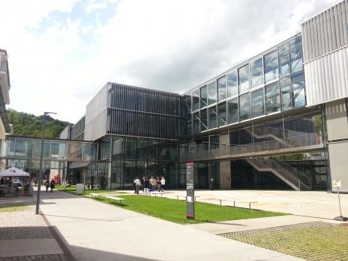 Am Campus der Donau-Universität