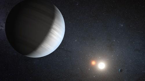 Weit genug von den Sternen entfernt kann ein Planet überleben. Aber auch nicht zu weit... (Bild: NASA/JPL-Caltech/T. Pyle)