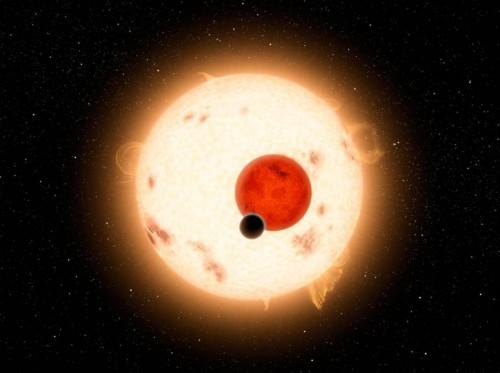 Zwei Sterne und ein Planet. Gibts im System Kepler-16. Aber anderswo sind solche Planeten selten (Künstlerische Darstellung: NASA/JPL-Caltech/R. Hurt)