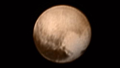 Bald werden wir mehr sehen als dieses etwas unscharfe Bild des Pluto Bild: NASA-JHUAPL-SWRI