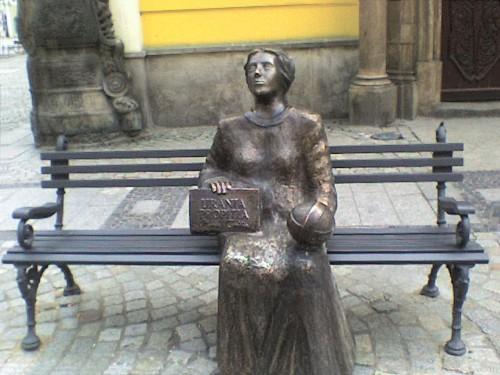 Denkmal für Maria Cunitz in Schweidnitz. Bilder von ihr sind leider nicht erhalten (Bild: Sueroski, CC-BY-SA 3.0)