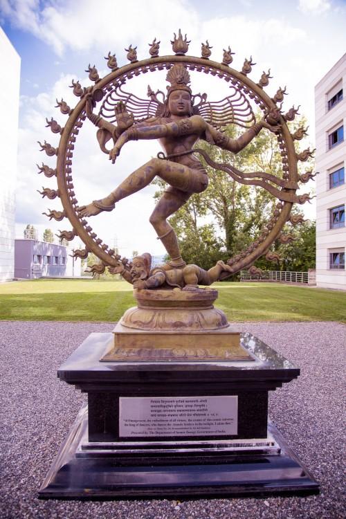 Shiva-Statue am CERN (Bild: Kenneth Lu, CC-BY 2.0)