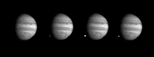 Einschlag des Fragments W, aufgenommen von der Raumsonde Galileo (Bild: NASA