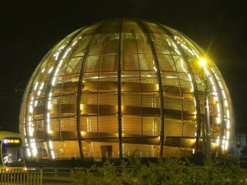 Auch kein Übergang in eine andere Dimension sondern nur der CERN-Globus