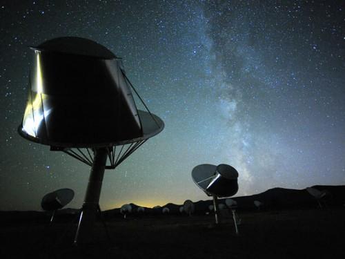 Das Allen Telescope Array an dem die Beobachtungen durchgeführt wurden (Bild: SETI, Seth Shostak)