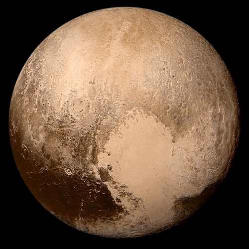 Pluto! Super Himmelskörper, aber ständig Anlass für Streit... (Bild: NASA/Johns Hopkins University Applied Physics Laboratory/Southwest Research Institute)