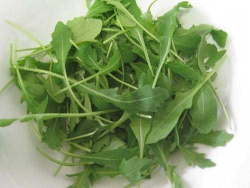 """Wenn schon Salat im Weltraum, dann bitte Rucola - auf englisch heißt der nämlich """"rocket"""" (Bild: Maduixa, public domain)"""