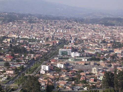 Cuenca in Ecuador: Die Heimat der mysteriösen Metallbibliothek (Bild: Marc Figueras, public domain)