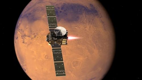 ExoMars TGO vor dem Mars (Künstlerische Darstellung: ESA/ATG medialab)