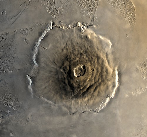 Auch andere Planeten haben Berge. Hier der Olympus Mons auf dem Mars (Bild: NASA)