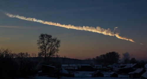 Tscheljabinsk: Von Alex Alishevskikh - Flickr: Meteor trace, CC BY-SA 2.0,                                                       https://commons.wikimedia.org/w/index.php?curid=24726667