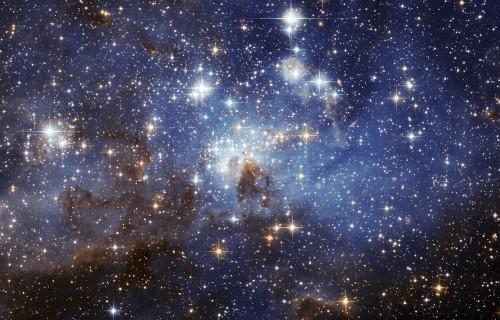 Schöne Sterne. Aber wie alt sind die Dinger? Bild: ESA, NASA)