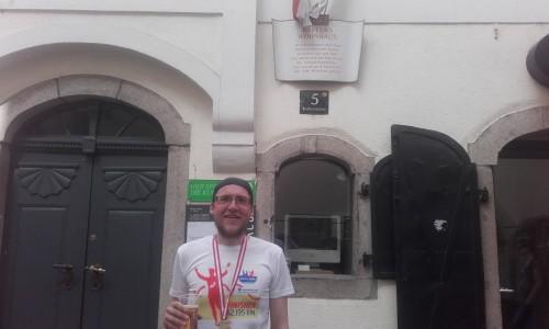 Den Marathon in Linz kann ich nur empfehlen! Er endet vor Johannes Keplers Wohnhaus!