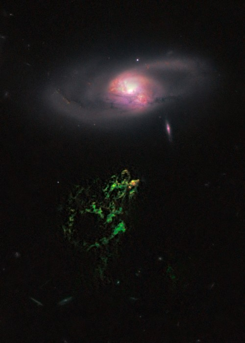 Ein seltsames grünes Ding... (Bild: NASA, ESA, W. Keel (University of Alabama), and the Galaxy Zoo Team)