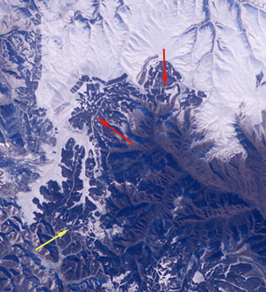 Vom All aus kaum zu erkennen: Foto der chinesischen Mauer; aufgenommen  von der ISS (Bild: NASA)