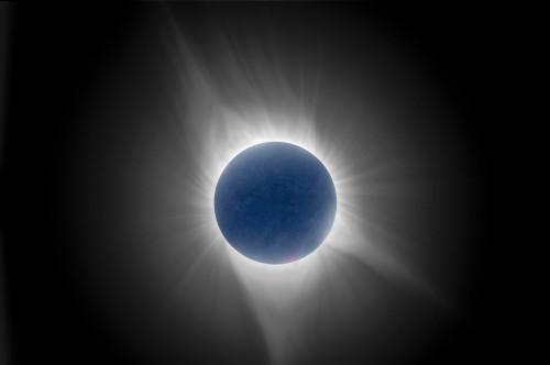 Korona-Komposit mit Mond