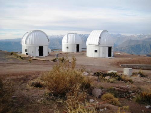 Teil des Las Cumbres Observatorium (in Chile) (Bild: Public Domain)