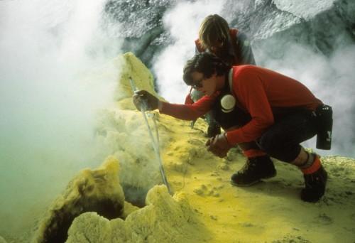 """Schwefel stinkt - ist aber wichtig wenn man Leben verstehen will (das stinkt ja auch oft!) (""""Bild:  USGS, public domain)"""