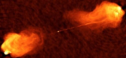 Radiobild eines Quasars (Zentrum) mit Radiowellen-abstrahlenden Regionen links und rechts (Bild: NRAO/AUI, CC-BY 3.0)