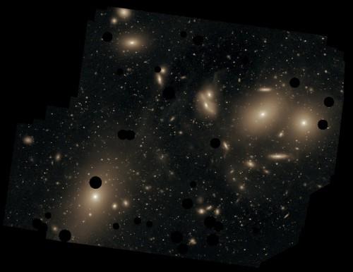 Der Virgo-Haufen (die dunklen Flecke sind Vordergrundsterne, die aus der Aufnahme entfernt wurden) (Bild: Chris Mihos (Case Western Reserve University)/ESO)