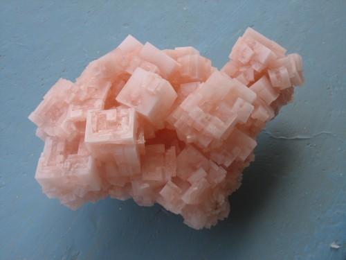 Ist nur ein Salzkristall - weiß aber eventuell was über dunkle Materie! (Bild: Ingo Wölbern, gemeinfrei)