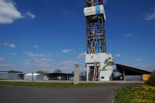 Die Sternwarten der Zukunft (Kontinentales Tiefbohrprogramm der Bundesrepublik Deutschland in Windischeschenbach - Bild: DALIBRI, CC-BY-SA 4.0)