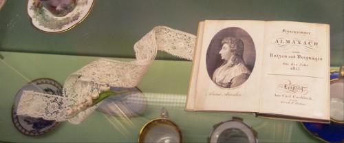 Frauenzimmeralmanach aus dem Jahr 1817 (Andreas Praefcke, gemeinfrei)