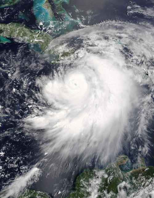 Nein, sowas kommt nicht aus dem All auf uns zu! (Bild: NASA image courtesy Jeff Schmaltz, MODIS Land Rapid Response Team at NASA GSFC, public domain)