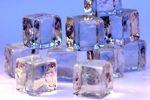 i-062e44bdb4df61c5eab9ae733e71a750-Ice_cubes_openphoto-thumb-500x333.jpg