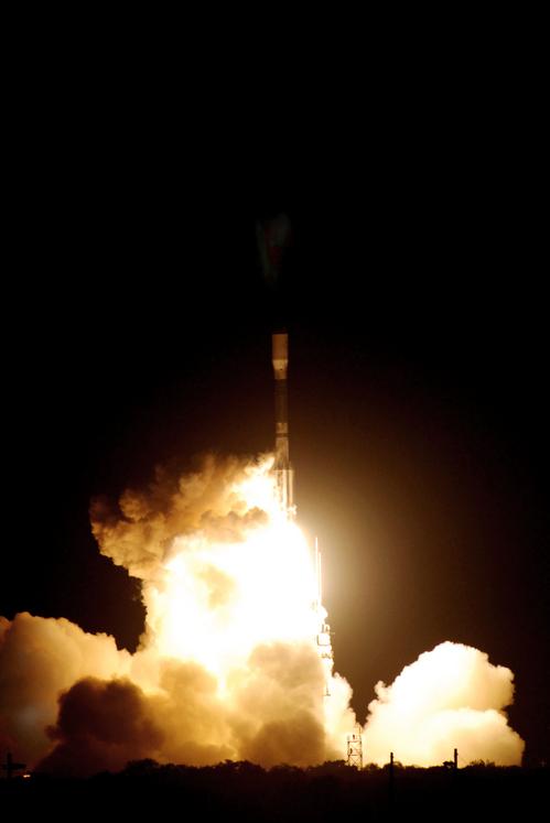 i-1fe5d35a185a309ebe90cb01ff34b3c8-kepler-launch-thumb-500x747.jpg