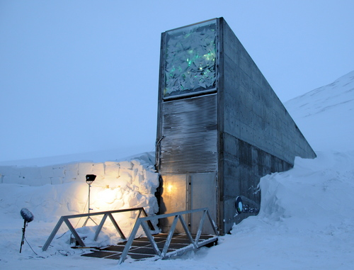 i-25411f3bbd72430b6c852ce416dd28f4-Svalbard_Global_Seed_Vault_main_entrance_1-thumb-500x381.jpg