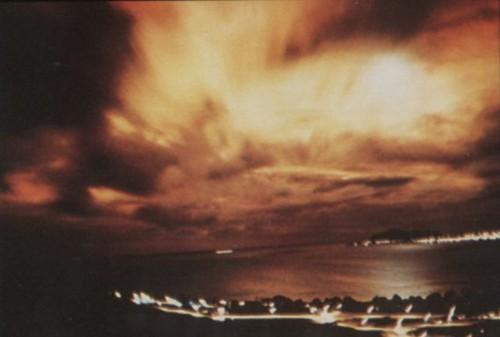 i-398c70bce71a6526464edfc94198c7b7-Starfish_Prime_aurora_from_Honolulu_1-thumb-500x337.jpg