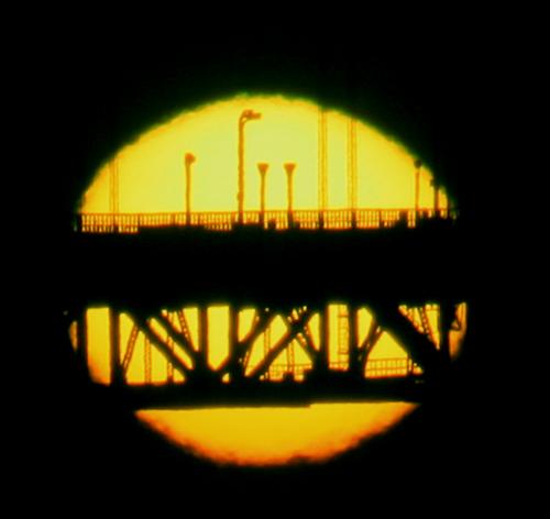 i-39f2b72dcf8255e782ff876c5f4b30b0-Green_rim_of_the_setting_sun-thumb-500x472.jpg
