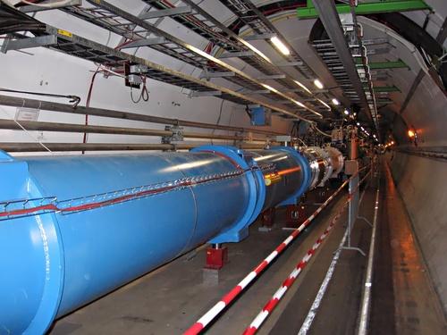 i-66cb888c39f124419904ef4e5f927363-CERN_LHC_Tunnel1-thumb-500x375.jpg