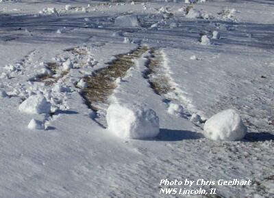 i-751951a971c873d5a95fc56fc93df091-Snow_roller_Illinois.jpg